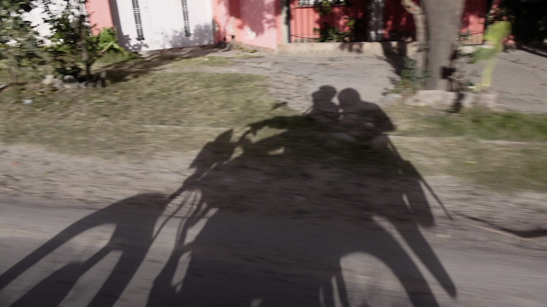 foto 5 moto sombra